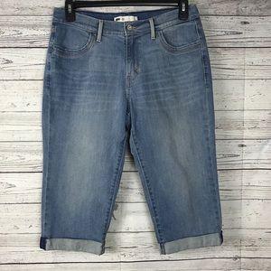 Levi's Medium Wash Cuffed Hem Denim Capri Pants